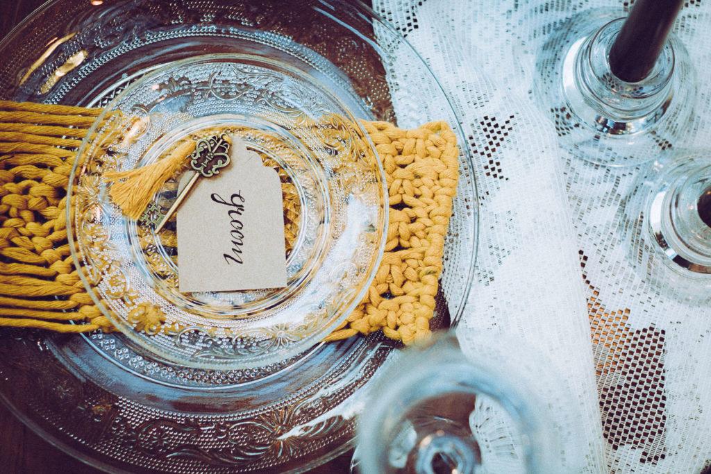 talerzyk z napisem Pan Młody. Groom.
