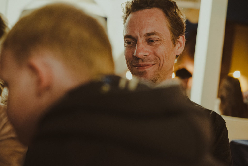 Uśmiechnięty Michael.