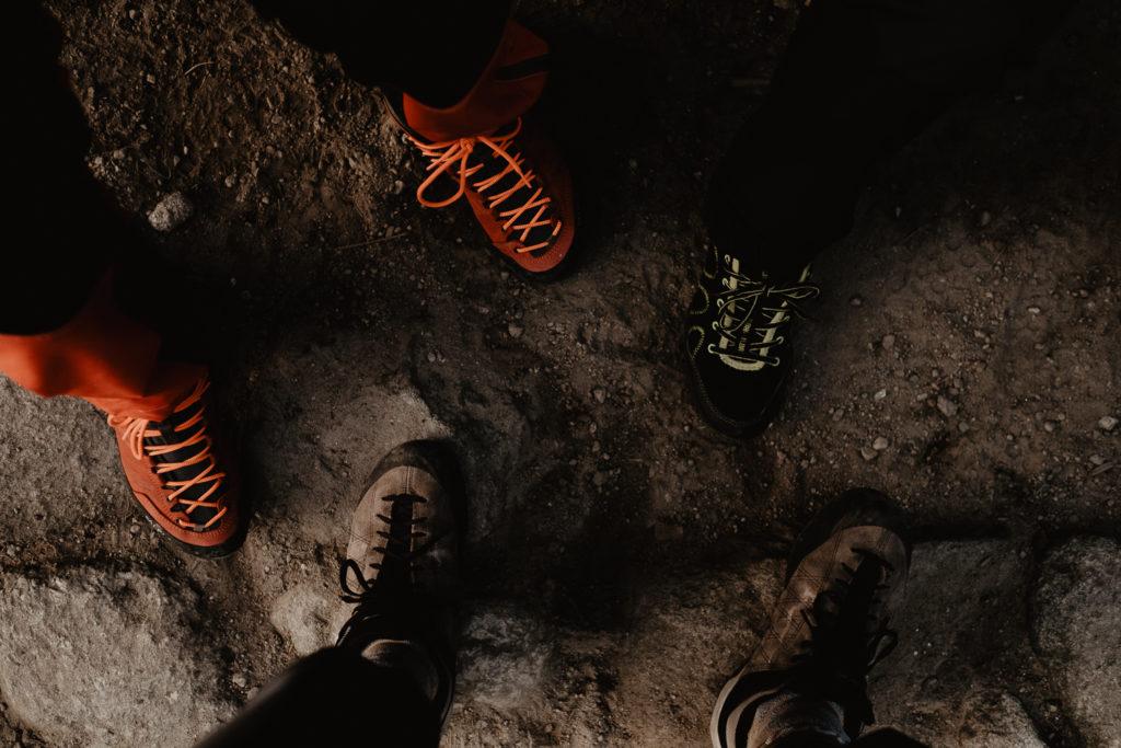 Nasze buty na naszych nogach.