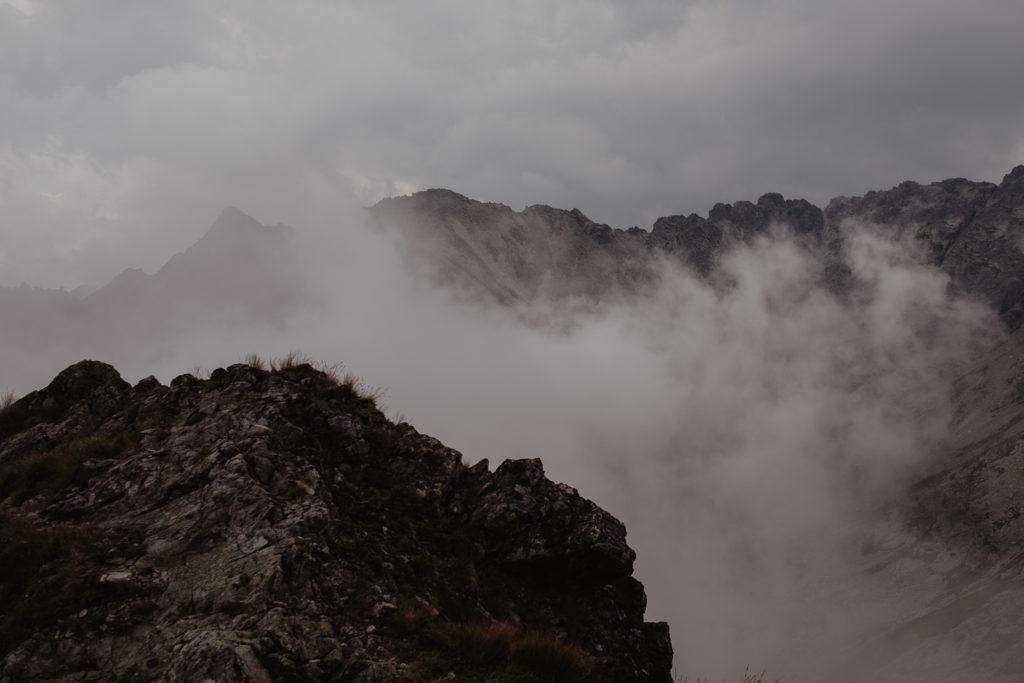Chmurzy się nag górami.