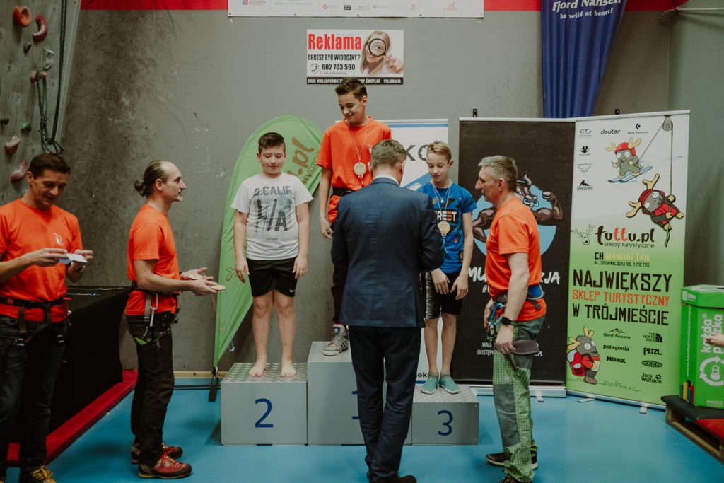wręczania medaliWręczanie medali. Kategoria chłopcy 12-16 lat